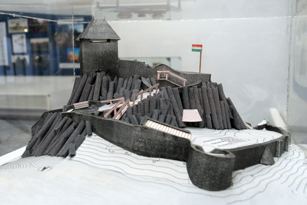 Baglyaskő 700 éves